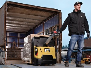 transpallet cat npp16n2 in offerta