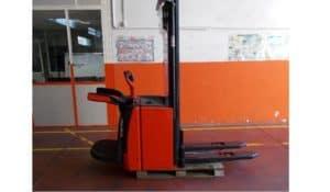 stoccatore o sollevatore elettrico nuovo della linde modello l14ap con pedana reclinabile e montante di 5316 mm